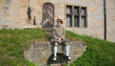 Horatio in front of Kronborg Castle