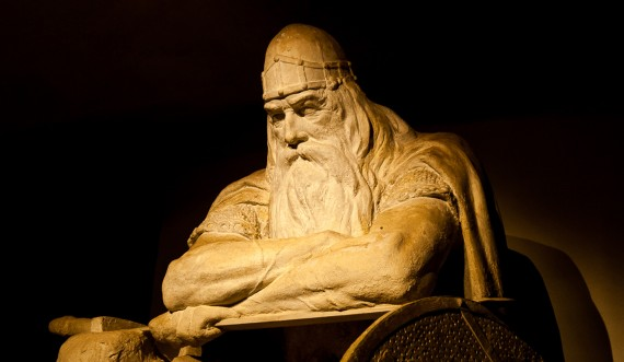 Holger Danske has slept for so long that his beard has grown onto the table. Photo: Thomas Rahbek